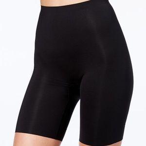 SPANX Thinstincts Mid-Thigh Black Shaping Shorts